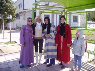 Alejandra Stamateas (segunda desde la izquierda)