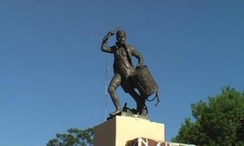 Monumento al Tambor de Tacuarí